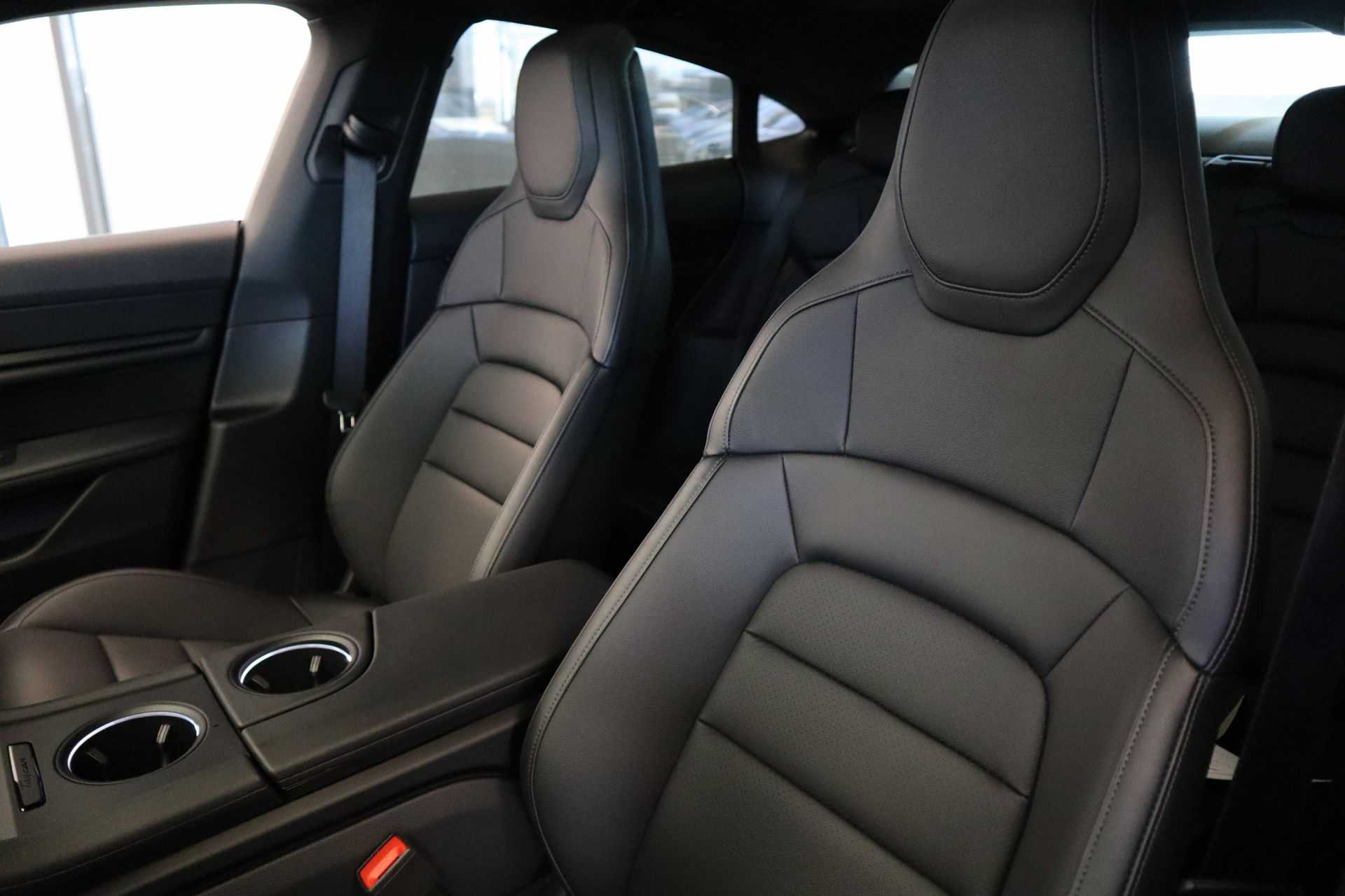 Porsche Taycan 4S Performance 571pk! Prijs = Ex.BTW Full-Led Sport-Chrono Panoramadak Warmtepomp afbeelding 28