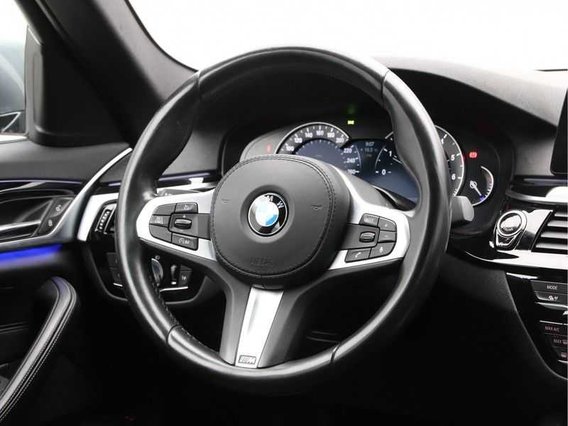 BMW 5 Serie 540i High Exe M-Sport Aut. afbeelding 13