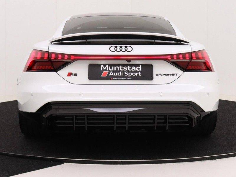 Audi e-tron GT RS   Stoelventilatie/Massage   Head-Up   Carbon   Matrix LED   360 Camera   Nachtzicht   afbeelding 8