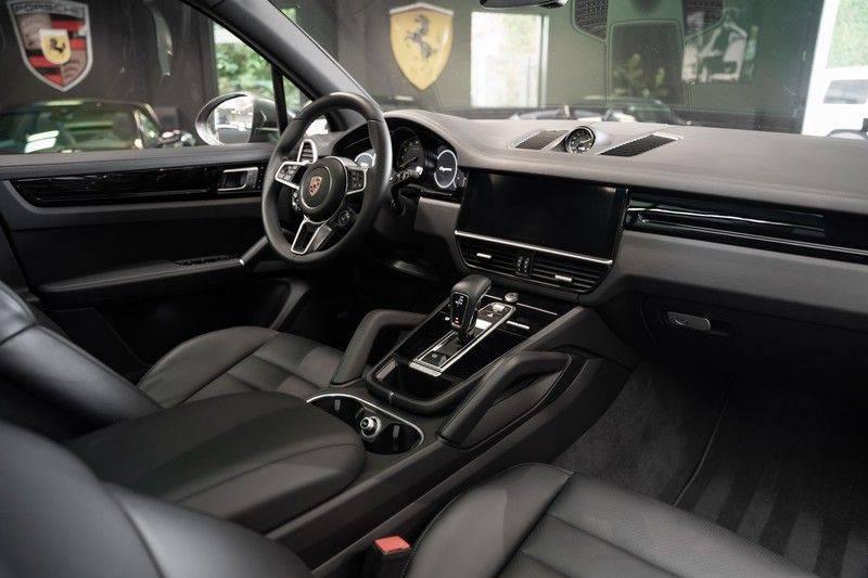 Porsche Cayenne E-Hybrid Sport Design Pakket 22 Turbo Softclose Pano Luchtvering 3.0 E-Hybrid afbeelding 17