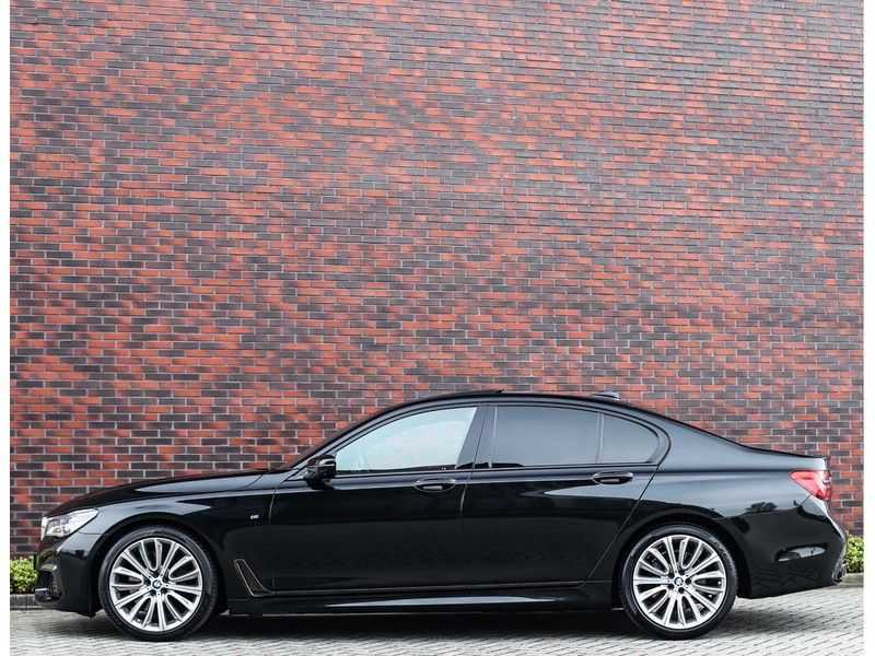 BMW 7 Serie 750d xDrive *M-sport*Head-Up*Asistant Plus* afbeelding 12