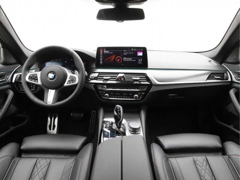 BMW 5 Serie 530i High Exe M-Sport LCI afbeelding 11