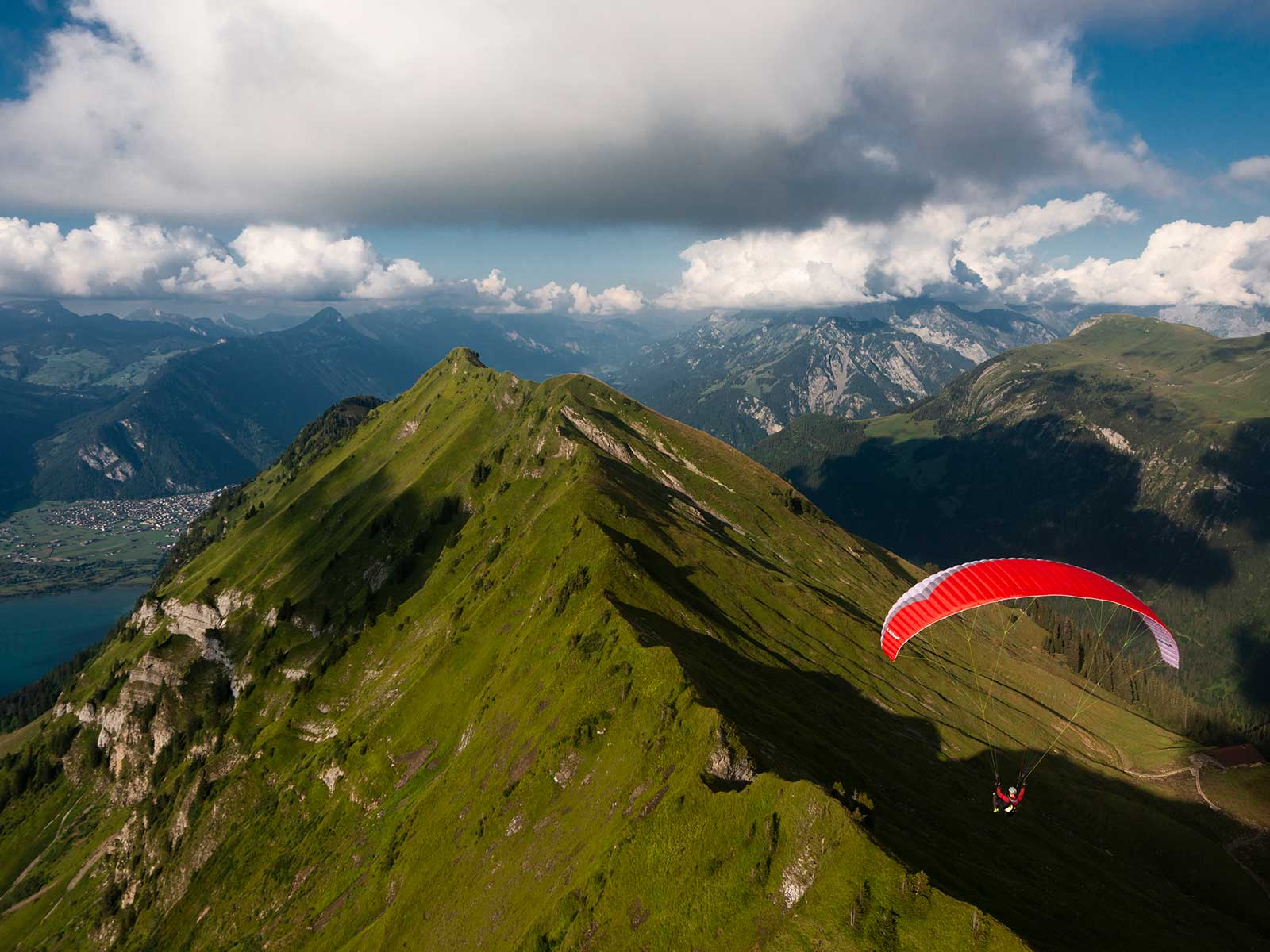 Atlas 2: easy intermediate paraglider