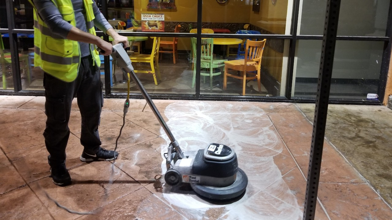 pressure-washing-cafe-rio-storefront-and-siding--cleaning-09
