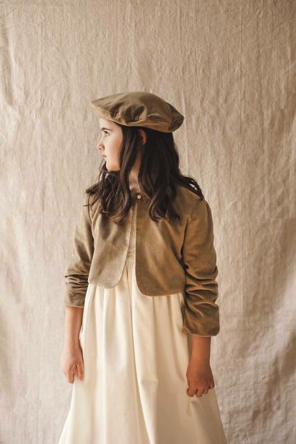 chaqueta de comunión marrón