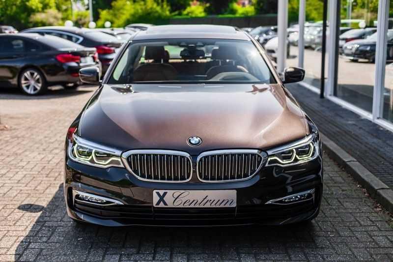 BMW 5 Serie 530d xDrive Luxury Line NW â¬100.000,- afbeelding 11