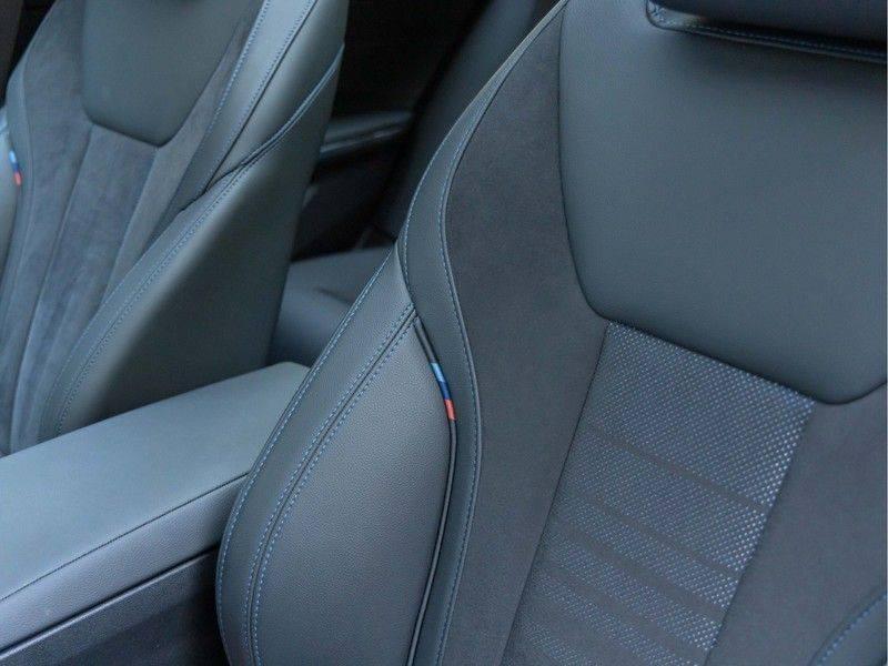 BMW 3 Serie Touring 330e xDrive M-Sport - Panorama - Active Cruise - Harman Kardon - Camera afbeelding 21