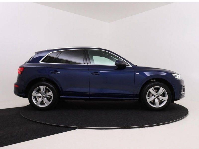 Audi Q5 50 TFSI e 299 pk quattro S edition | S-Line |Elektrisch verstelbare stoelen | Trekhaak wegklapbaar | Privacy Glass | Verwarmbare voorstoelen | Verlengde fabrieksgarantie afbeelding 9