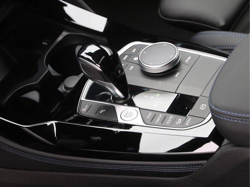 BMW X4 xDrive20i High Executive . afbeelding 15