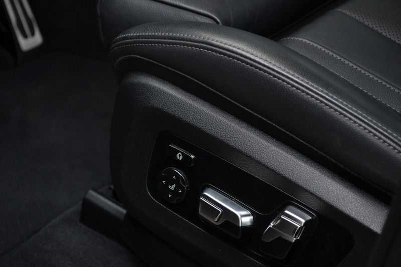 "BMW X5 M50d 400pk Skylounge Luchtv DA+ PA+ Trekh NL-auto 22"" Comfortzetels afbeelding 13"