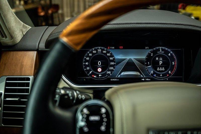 Land Rover Range Rover 4.4 SDV8 Black Pack | Panorama | Head-up Display | Trekhaak | Ambient lighting afbeelding 10