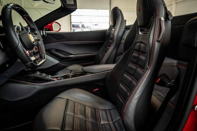 Ferrari Portofino 3.9 V8 HELE   TwoTone Exclusive   Carbon   Passengerdisplay   Memory   Sportstoelen afbeelding 15