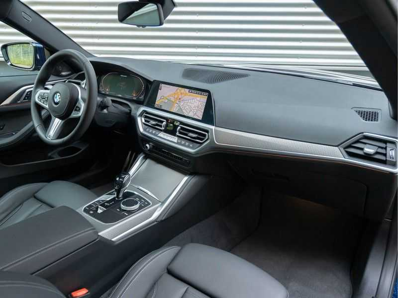 BMW 4 Serie Coupé M440i xDrive M-Sport - Head-up - Dak - Camera - DAB afbeelding 13