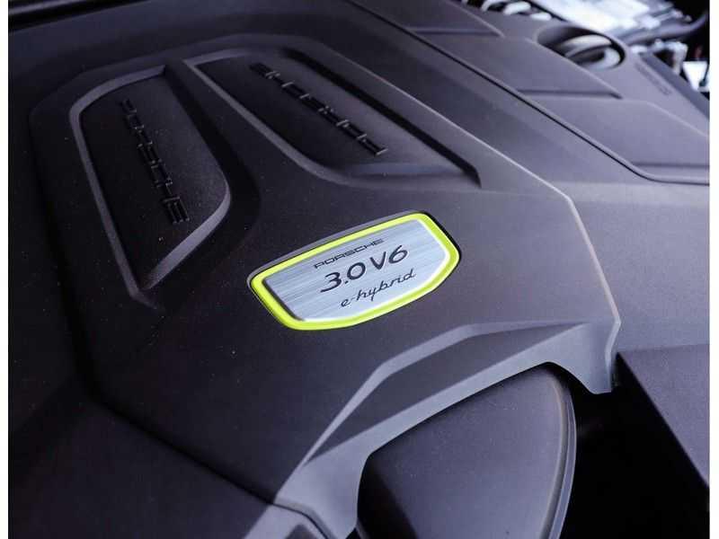 Porsche Cayenne 3.0 E-Hybrid *Pano*Chrono*ACC*PASM*HUD*Bose* afbeelding 6