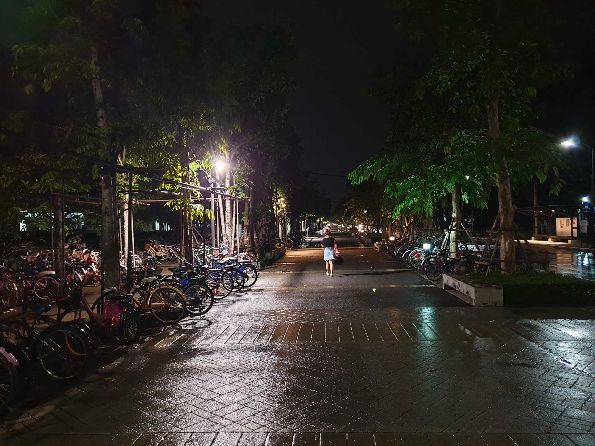 Samsung Galaxy Note 9 Sample Night Photo