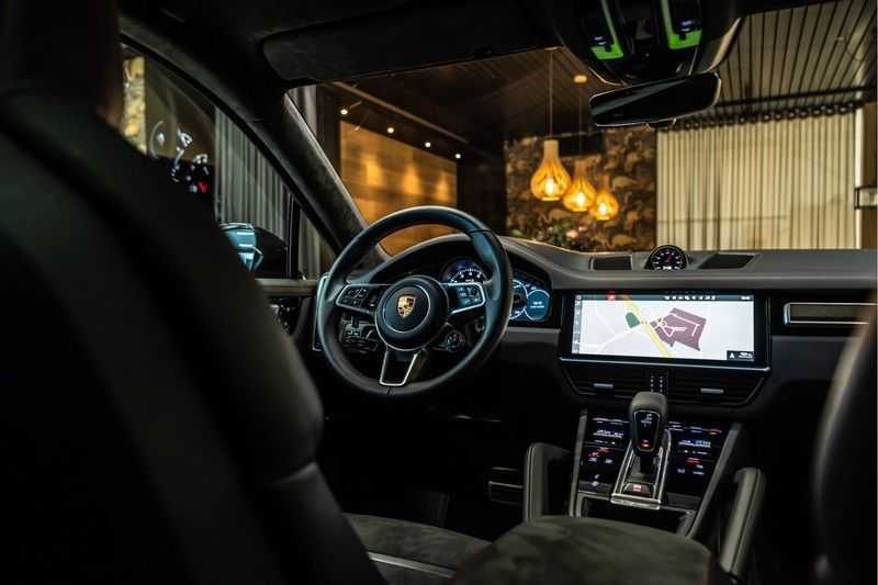 Porsche Cayenne Coupé 4.0 GTS   Head-up-Display   BOSE   Adaptieve luchtvering afbeelding 21