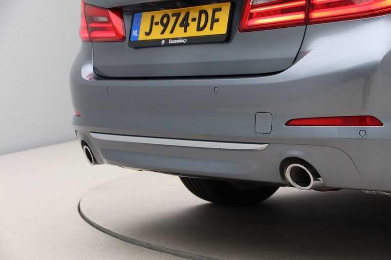 BMW 5 Serie 520i High Exe Luxury Line afbeelding 15