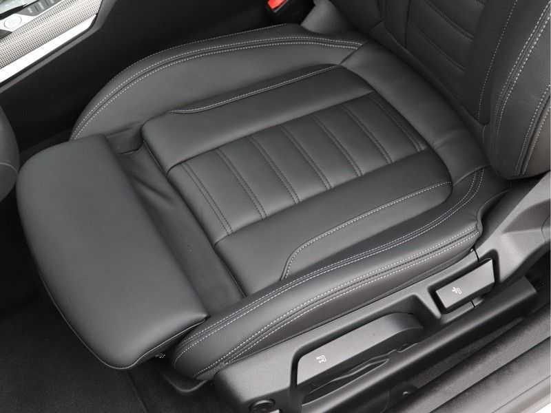 BMW 4 Serie Coupé 420i High Exe M-Sport Aut. afbeelding 18