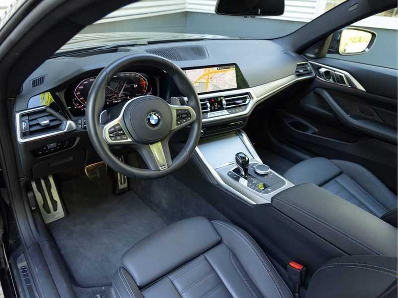 BMW 4 Serie Coupé M440i xDrive - High Executive - Dak - ACC - Harman Kardon afbeelding 10