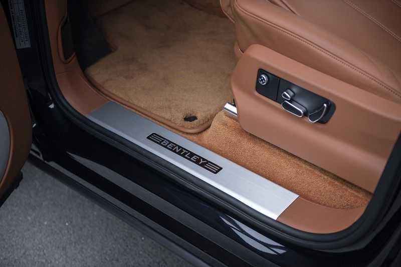 Bentley Bentayga 4.0 D (BTW AUTO) Elektrische trekhaak + Apple Carplay + Adaptive Cruise + Nachtzicht + Werkelijk in nieuwstaat afbeelding 12