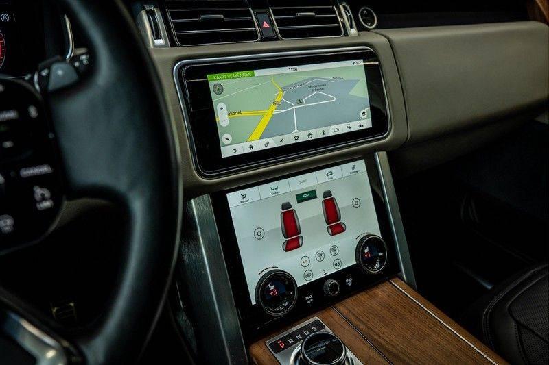 Land Rover Range Rover 4.4 SDV8 Black Pack | Panorama | Head-up Display | Trekhaak | Ambient lighting afbeelding 17