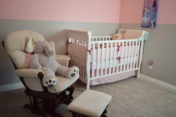 babykamer met grote olifant