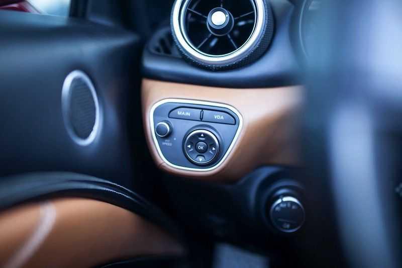 """Ferrari California 3.9 T HELE *Rosso California / Regelb. Sportuitlaat / 20"""" / 2-Tone* afbeelding 24"""