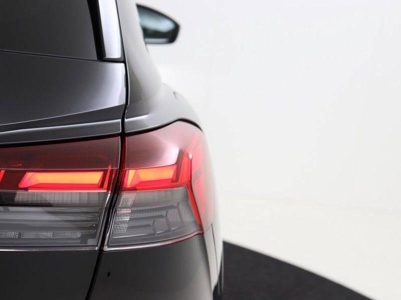 Audi Q4 40 e-tron Launch edition S Competition | Panoramadak | Lederen bekleding | Sonos | Head-up display afbeelding 20