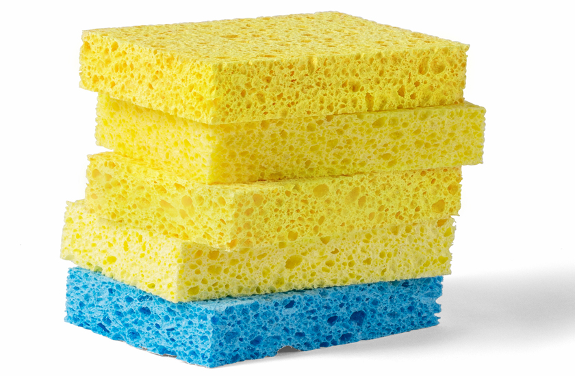 Stack of five sponges, yellow and blue