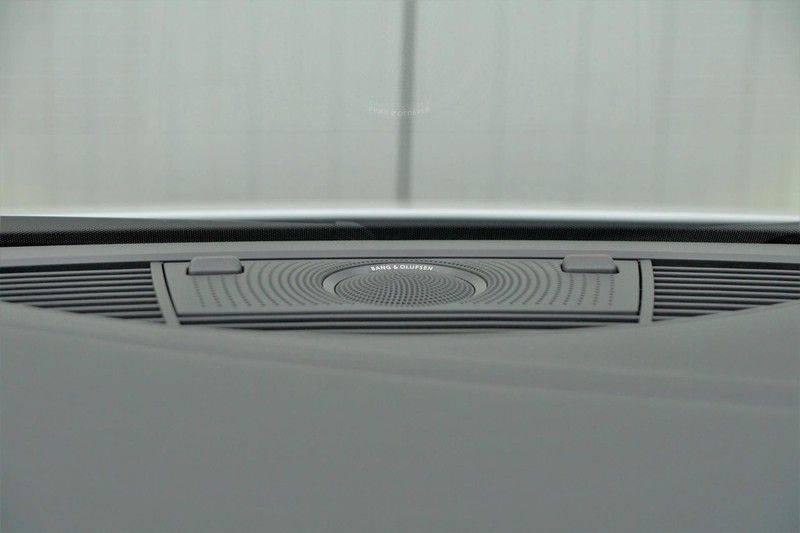 Audi R8 Spyder 5.2 V10 FSI / Akrapovic / Carbon Pack / B & O / Ceramic / Camera / Audi Exclusive / Cruise afbeelding 18