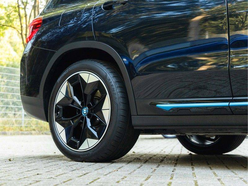 BMW iX3 High Executive - Direct Beschikbaar! afbeelding 11
