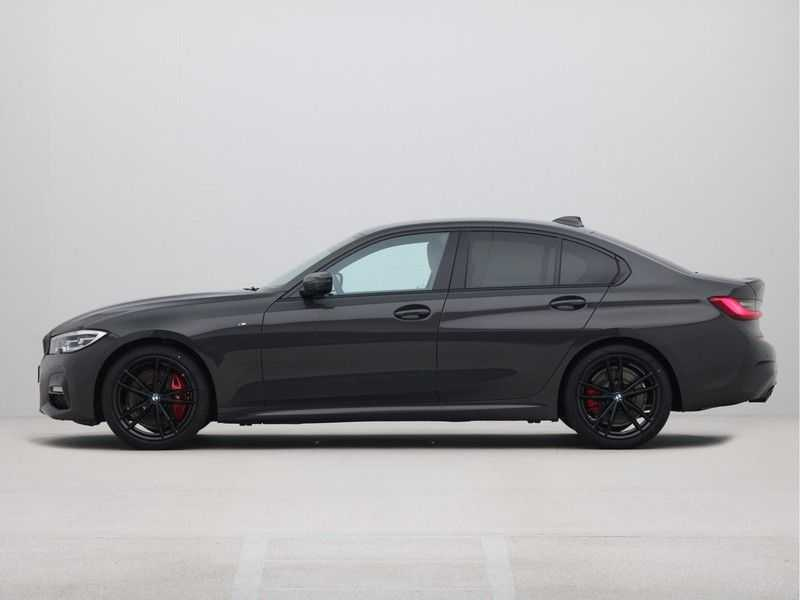 BMW 3 Serie Sedan 320i High Executive M-Sport Automaat afbeelding 15