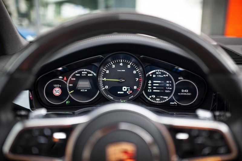 "Porsche Cayenne 3.0 E-Hybrid *Pano / BOSE / Massage / Stoelventilatie / 22"" / ACC / Sport Chrono* afbeelding 8"