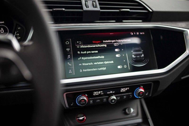 Audi RS Q3 2.5 TFSI Quattro *B&O / Pano / ACC / RS Sportstoelen / Sportuitlaat / Trekhaak* afbeelding 18