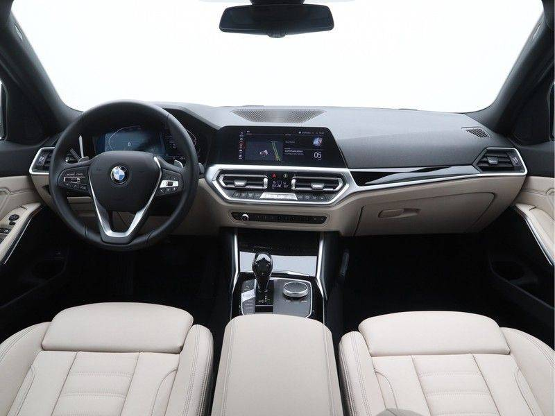BMW 3 Serie Touring 318i Executive Edition Sport Line Automaat afbeelding 13