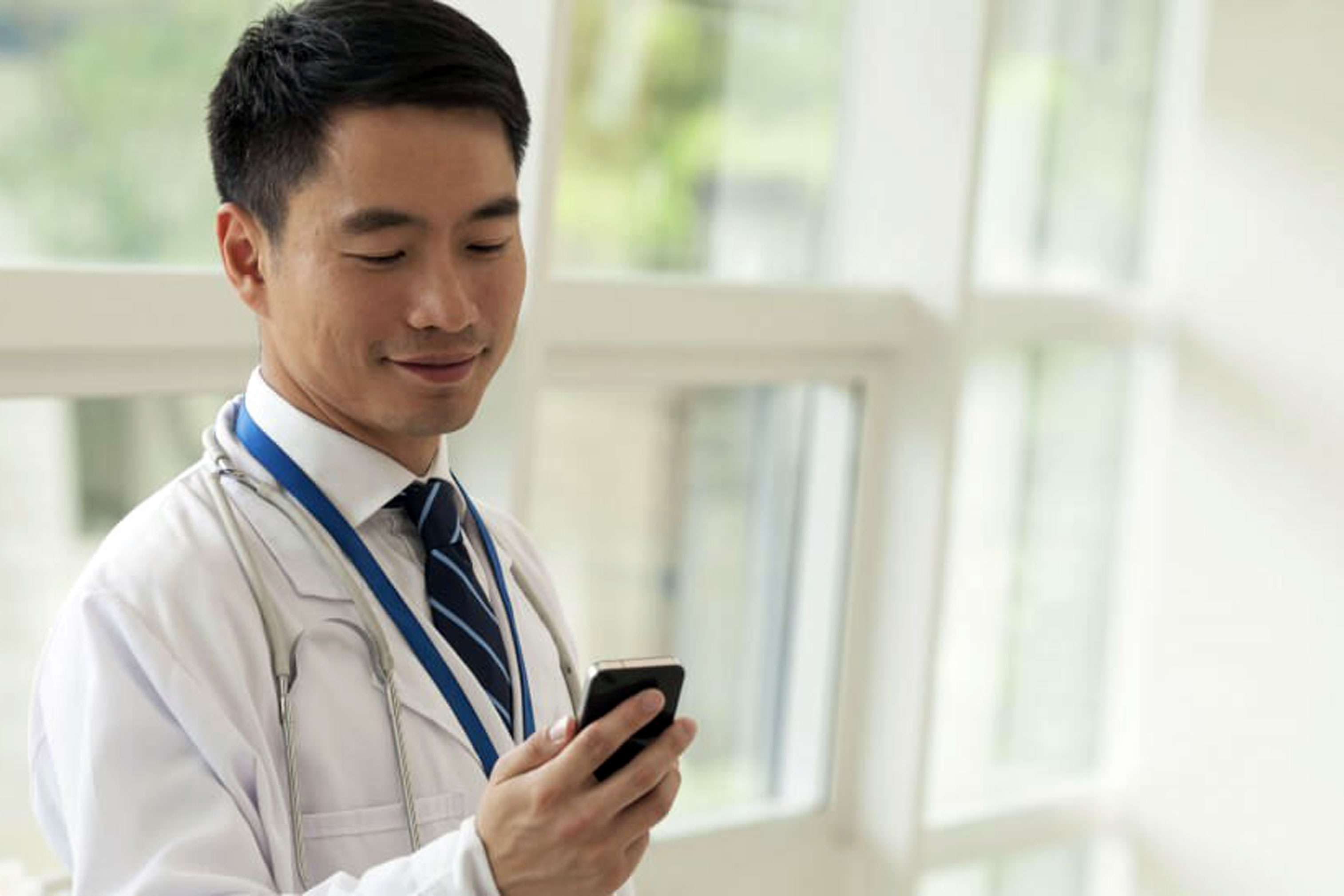 2018 04 10 doctors pros cons of starting your own telemedicine practice