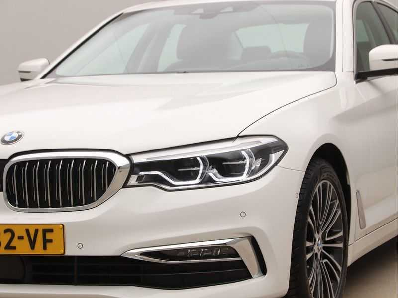 BMW 5 Serie 520d Luxury Line High Executive afbeelding 21