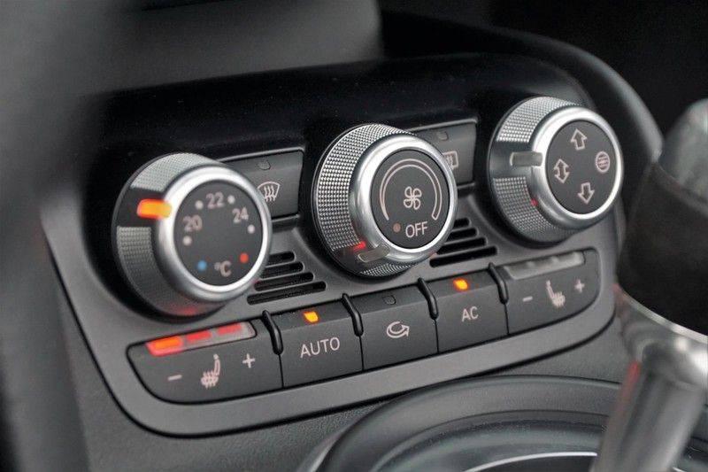 Audi R8 Spyder 5.2 V10 FSI / Akrapovic / Carbon Pack / B & O / Ceramic / Camera / Audi Exclusive / Cruise afbeelding 14