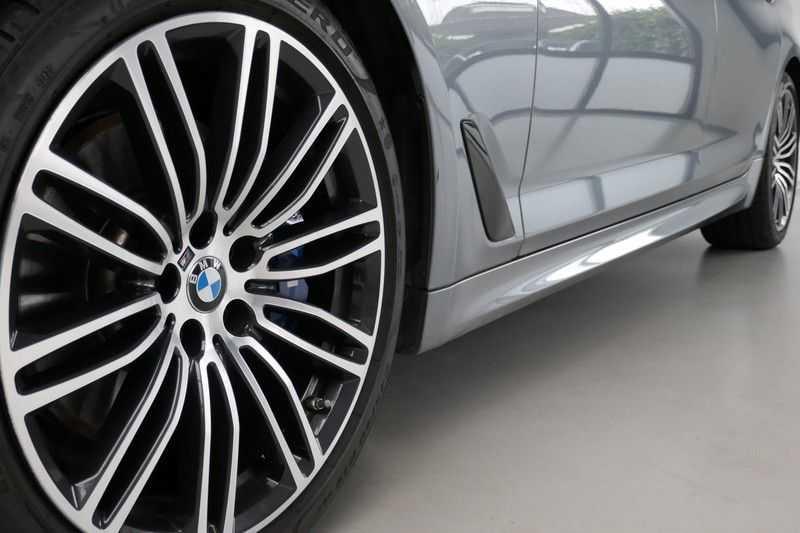 BMW 5 Serie 530d High Executive M-Sport afbeelding 13