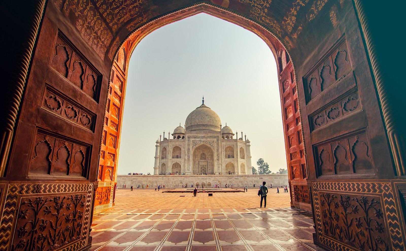 Taj Mahal, Wild Thing Snow Monsters, Singapore Street Food & More: Endnotes 05 February
