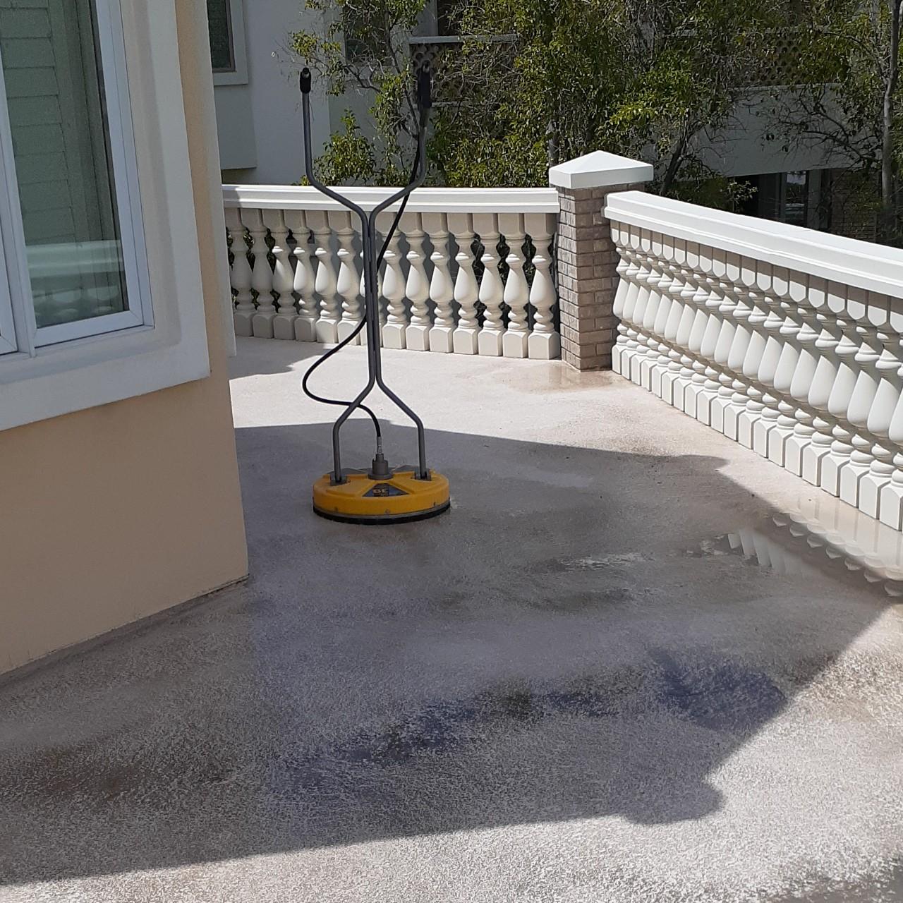 concrete-balcony-deck-restoration--cleaning-05
