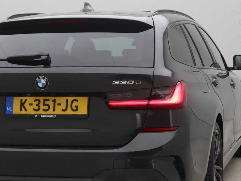 BMW 3 Serie Touring 330e High Executive M-Sport Automaat afbeelding 19