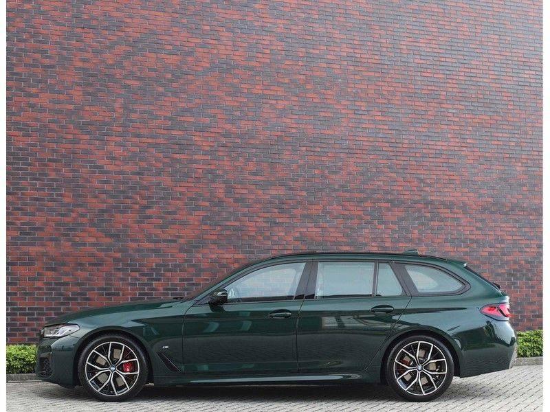 BMW 5 Serie 540i x-Drive *British Racing Green*HUD*Pano*Trekhaak* afbeelding 20