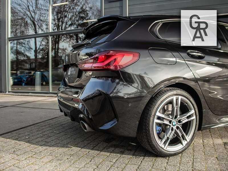 BMW 1 Serie M135i xDrive High Executive afbeelding 11