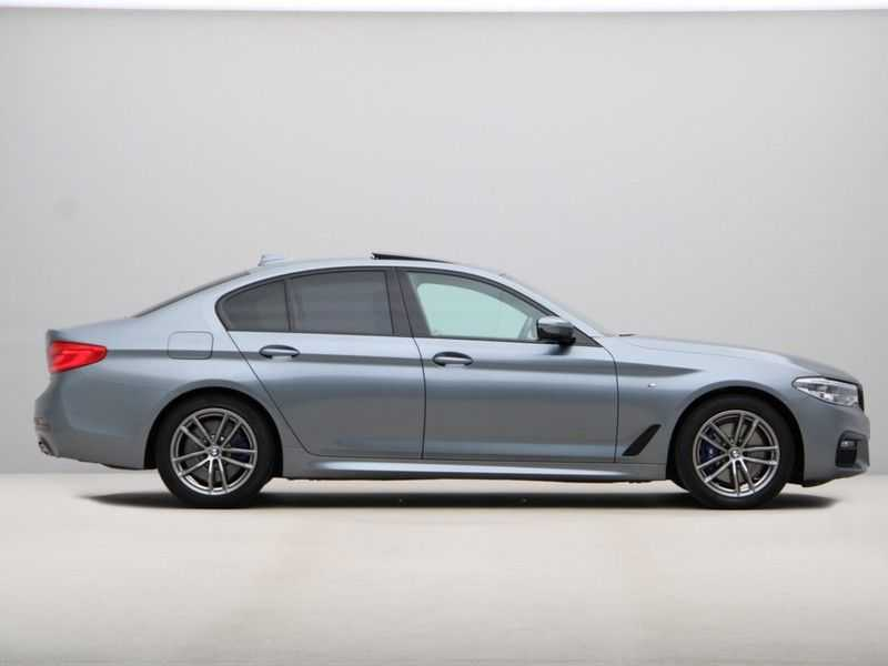 BMW 5 Serie 530i Aut. High Exe M-Sport afbeelding 9