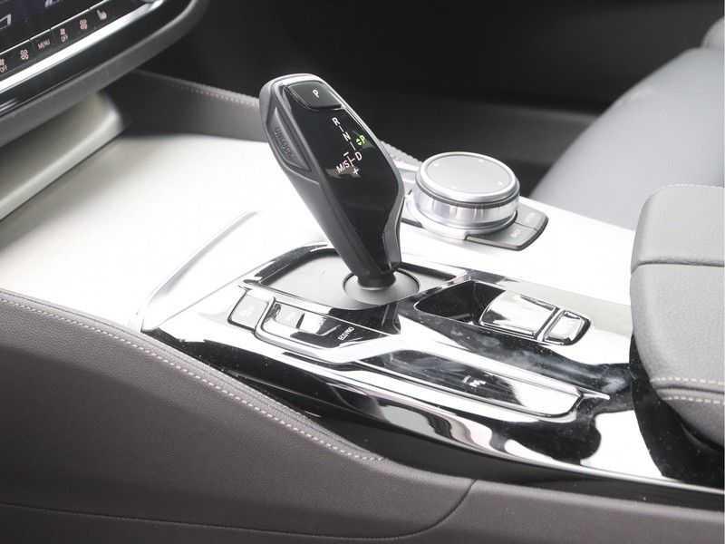 BMW 5 Serie Sedan 530i High Executive M-Sport Automaat afbeelding 19