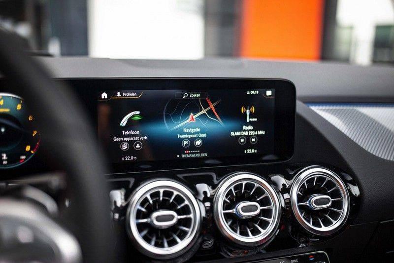 Mercedes-Benz GLA 200 AMG Line *Pano / HUD / Memorystoelen / 360 Cam / Burmester* afbeelding 13