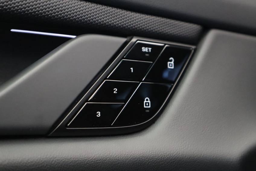 Porsche Taycan 4S Performance 571pk! | Prijs ex.btw 99000,- | Full-Led Sport-Chrono Panoramadak Warmtepomp afbeelding 15