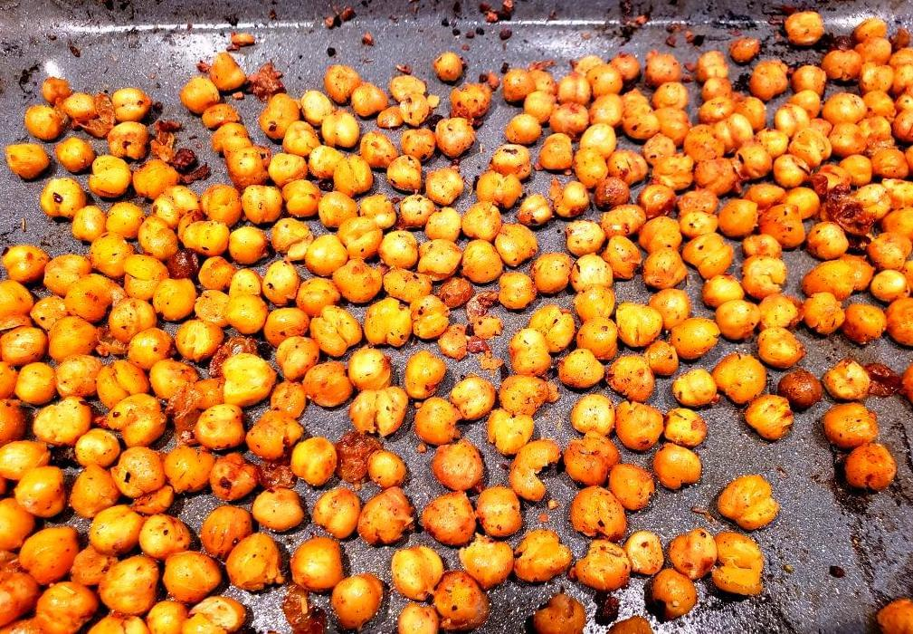 Pan of cayenne pepper chickpeas