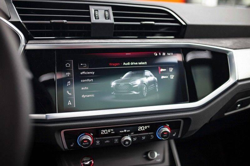 Audi RS Q3 2.5 TFSI Quattro *B&O / Pano / ACC / RS Sportstoelen / Sportuitlaat / Trekhaak* afbeelding 17